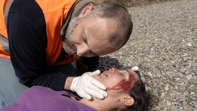 Erste Hilfe, Verletzung, Verletzter, Unfall