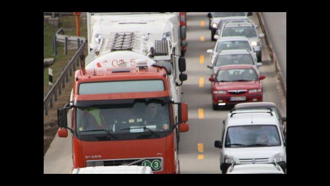 Gewerbe soll nicht für Stau- und Unfallkosten aufkommen