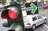 Grüner Pfeil Rote Ampel Stopp