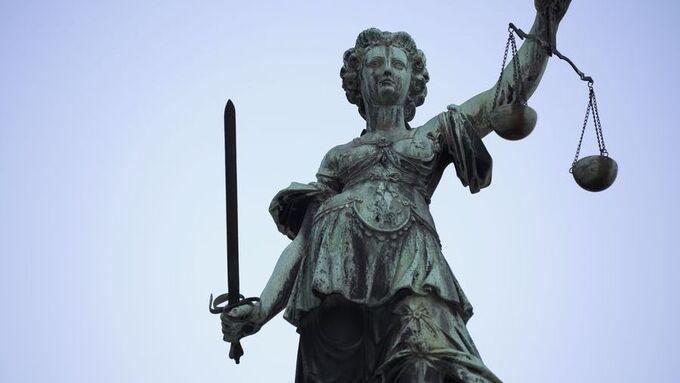 Justitia, Statue, Recht, BGH