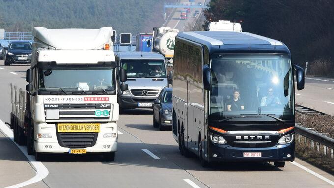 Kommentar zur Forderung nach einem höheren Tempolimit für Reisebusse