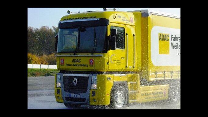Kraftfahrer-Quali: ADAC und Renault kooperieren