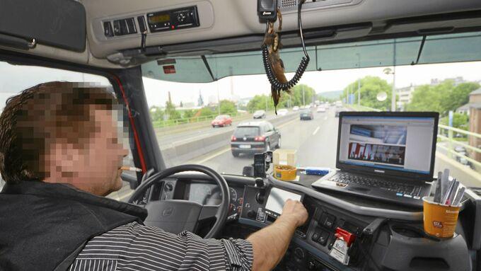 Lkw-Fahrer, Fahrer, Ablenkung, Zigarette