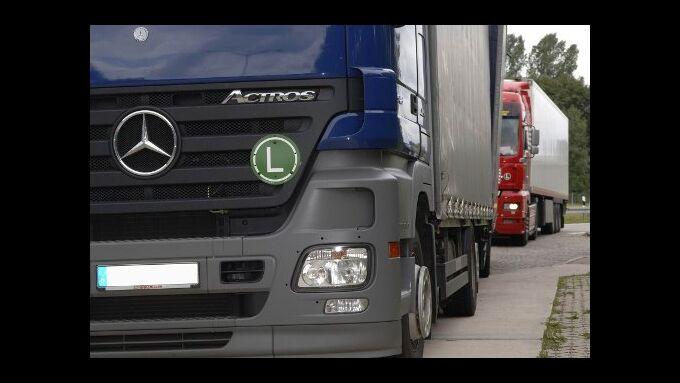 Mehr Lkw-Parkplätze bauen