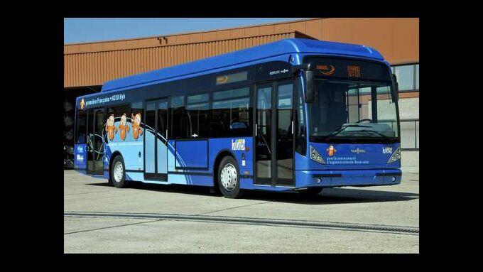 Van Hool stellt Hybrid-Stadtbus A330 vor