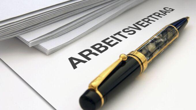 Arbeitsvertrag, Kugelschreiber, Unterlagen
