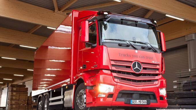 """Bei der Fahrveranstaltung """"Distribute Collect"""" kann unter anderem der Mercedes-Benz Antos"""