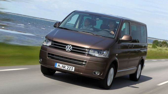 Für den T5 bietet VW jetzt einen neuen Benziner und eine weitere Spritsparvariante.