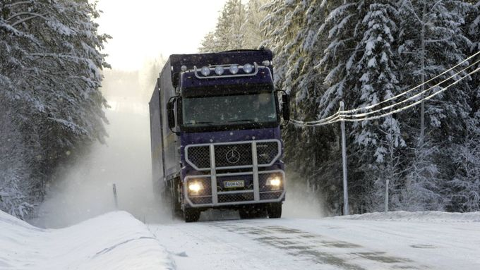 Lkw, Schnee, Wald, Winter