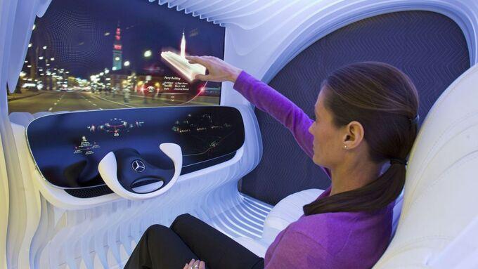 Mercedes-Benz Presents quot;DICEquot; Concept- Dynamic Intelligent Customer Experience - quot;The Evolution of Telematicsquot;