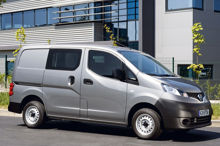 nissan nv200 eurotransport. Black Bedroom Furniture Sets. Home Design Ideas