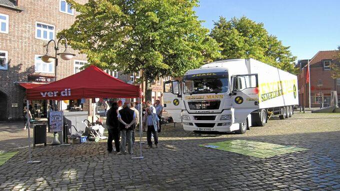Verdi-Stand auf dem Marktplatz